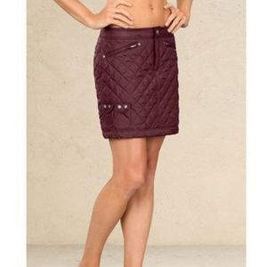 Athleta Snow Stomper Quilted Skirt